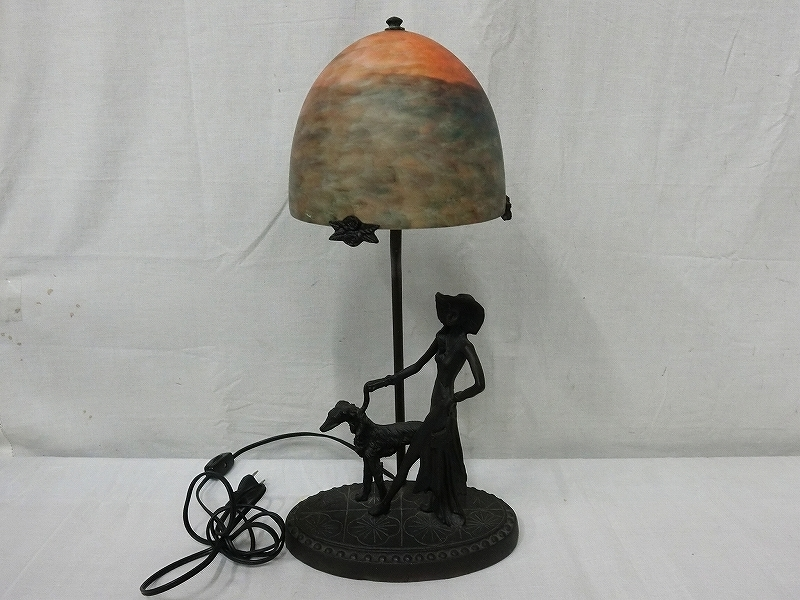 B3460 マーブルガラスシェード 犬の散歩をする婦人飾 シェードランプ スタンドライト 照明