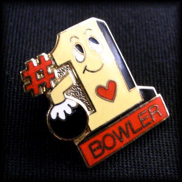 USA BOWLING PIN ボウリングピンバッジ #1 BOWLER No 52