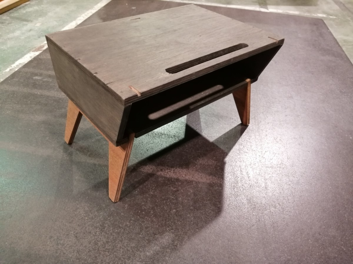 ソロテーブル 収納、風防機能付