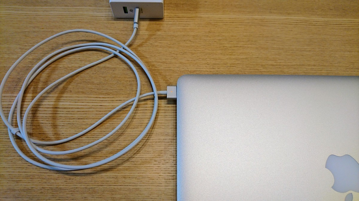 USB-C to Magsafe2 MacBook用充電ケーブル