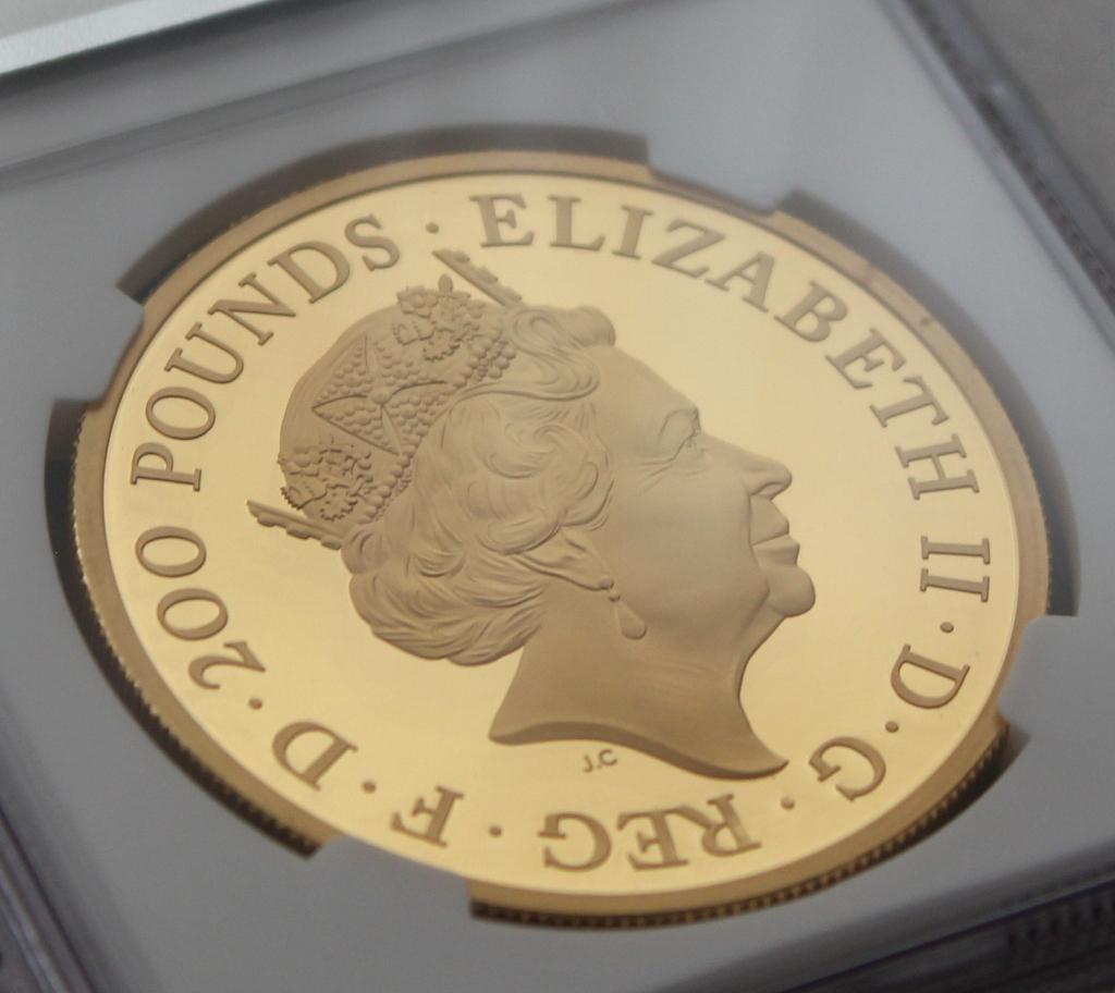 2020年 イギリス ブリタニア 2oz 200ポンド 金貨 NGC PF70UC 最高鑑定品!!発行枚数160枚!_画像8