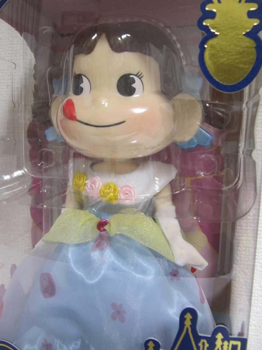 不二家 プリンセス ペコちゃん ドレス 2015 セブンイレブン限定 フィギュア 人形 ドール FUJIYA 新品 未開封_画像2