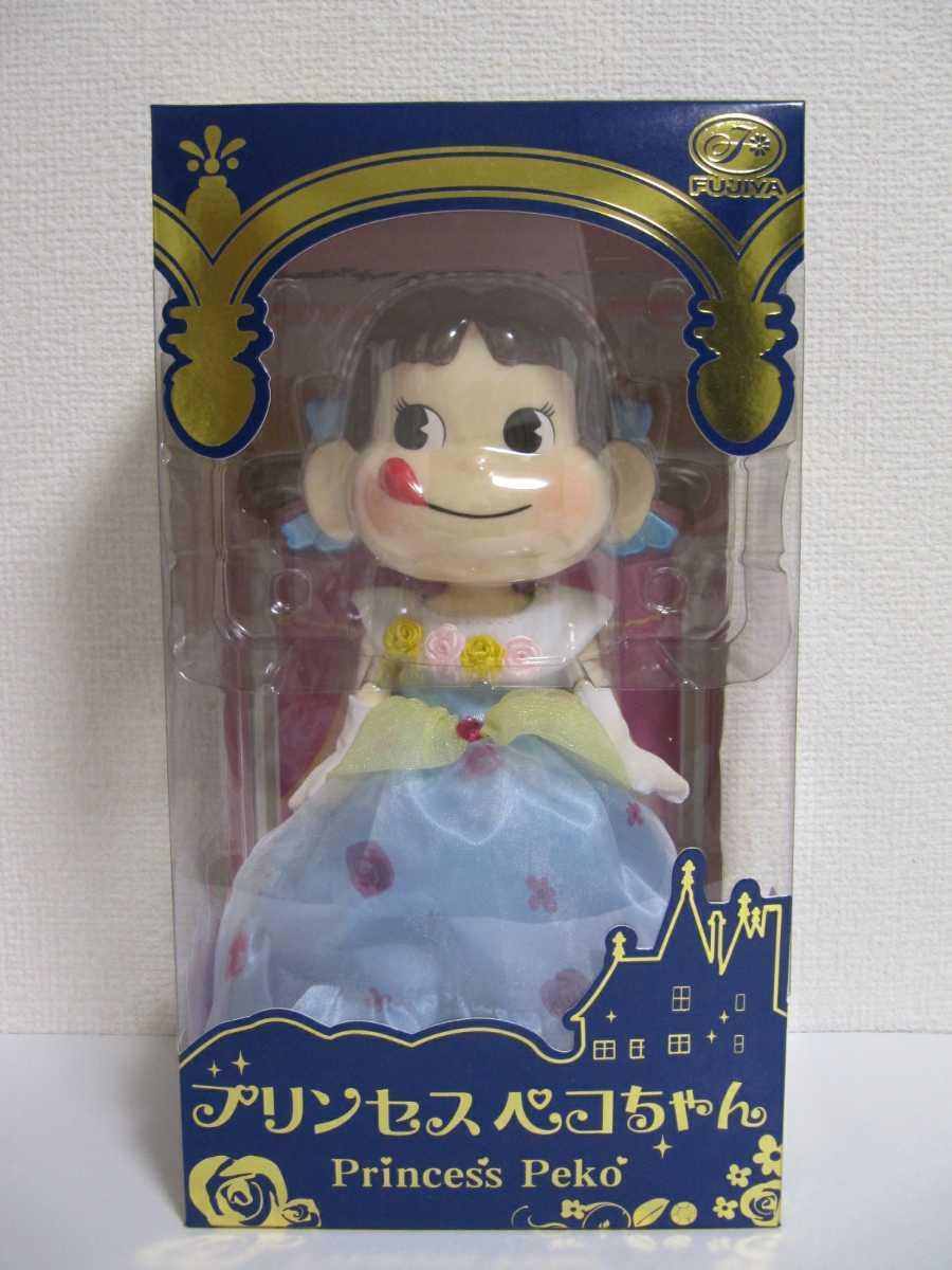 不二家 プリンセス ペコちゃん ドレス 2015 セブンイレブン限定 フィギュア 人形 ドール FUJIYA 新品 未開封_画像1
