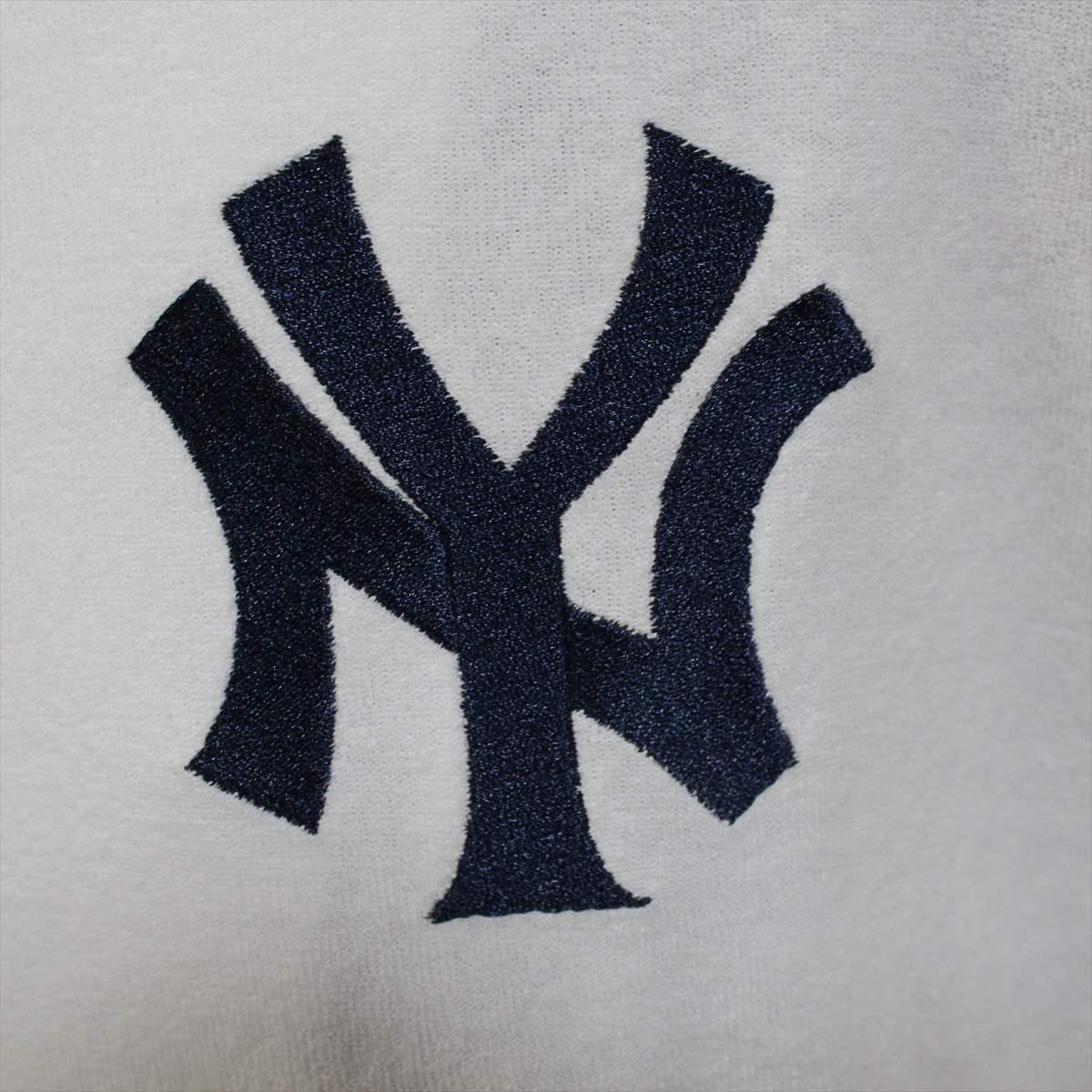 Majestic マジェスティック パーカー ホワイト Mサイズ 新品 白 ニューヨークヤンキース NEW YORK YANKEES フーディー フルジップ パイル地_画像3