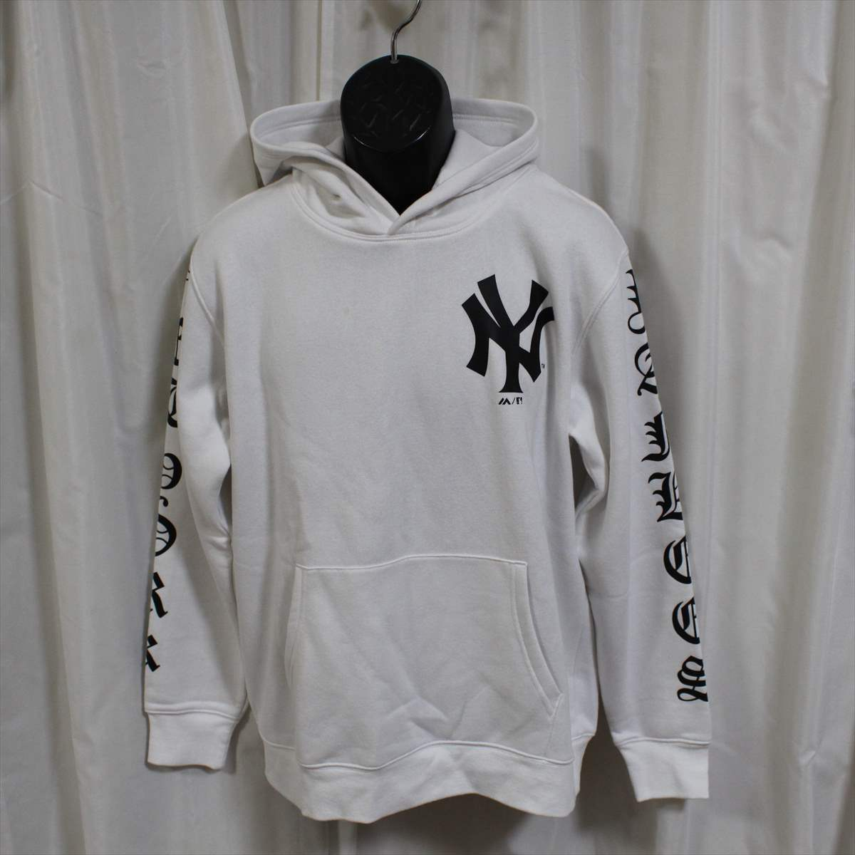 Majestic マジェスティック パーカー ホワイト Lサイズ 新品 白 ニューヨークヤンキース NEW YORK YANKEES フーディー プルオーバー_画像1