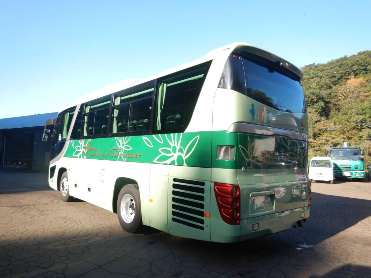 「【CH15860】H22年 日野 セレガ 1オーナー車 実走12万㌔台 29人乗り サロン仕様 観光バス 自動スイングドア 貫通トランク 装備多数 中型バス」の画像3