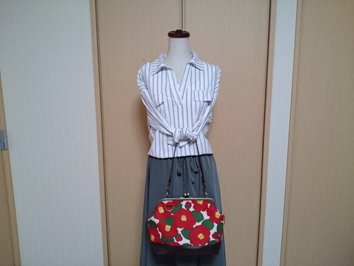 和 モダン 和柄 ツバキ 椿 赤 白 花柄 かわいい がま口 3way ショルダー バッグ ハンドメイド 手提げ 斜めかけ 和装 着物 長財布 入ります