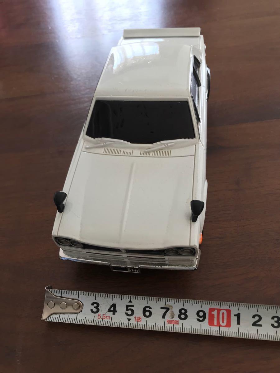 スカイライン 2000gtr   ハコスカ ラジコンカー ホワイト