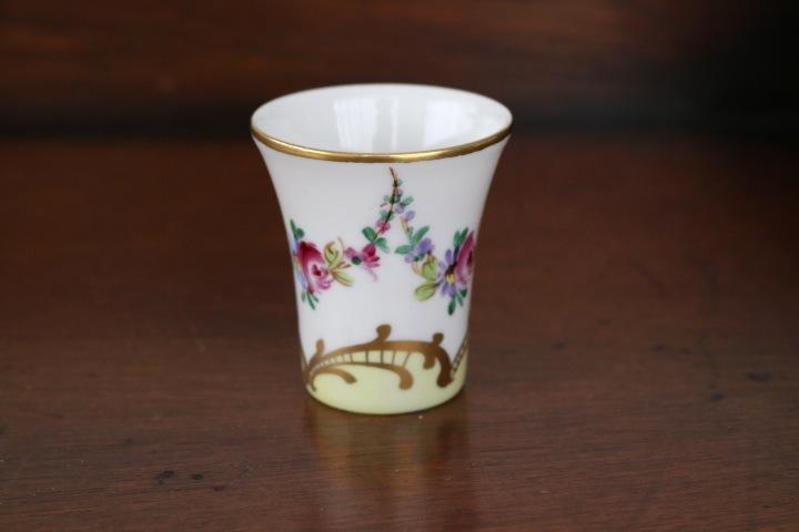 ■ 手描きリモージュ焼きのアンティーク、スモールカップ/Sale ■_画像3