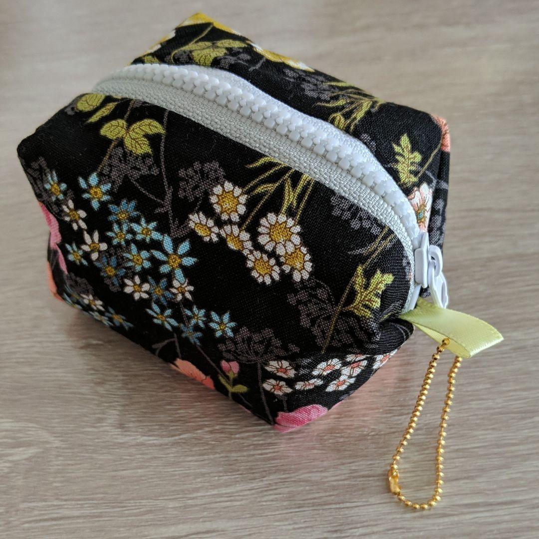 ハンドメイド キャンディーポーチ 花柄 小物入れ  ミニポーチ キャラメルポーチ