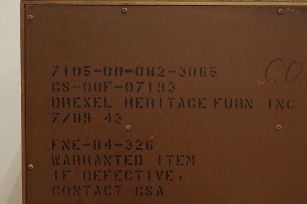 ビンテージ Drexel ドレクセル RISHEL リシェル 3段引き出しチェスト キャビネット ウォールナット材 ドレッサー台 飾り台 花台 クラシック_画像7