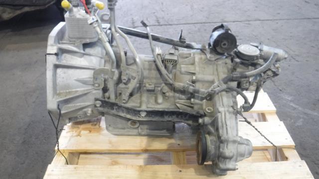 日産 NT100クリッパートラック DR16 トランスミッション/オートマミッション/ATミッション パートタイム4WD 走行未テスト 31020-4A17A/11M_画像2