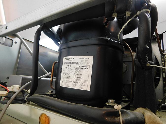 函館市引取り歓迎 美品 HOSHIZAKI ホシザキ リーチイン 冷凍ショーケース FS-63XT3-1 2011年頃 単相100V/三相200V_画像6
