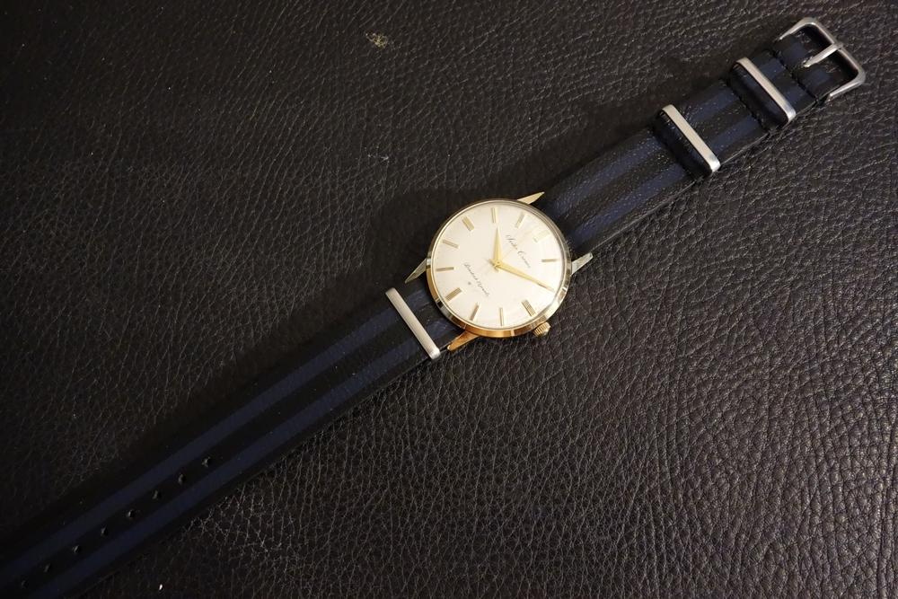 ◆レザーNATO G10ストラップ◆ ボンドカラー カーフレザー 20mm 強力撥水 新品 日本製 本革 黒 ミリタリー ブレスレット 腕時計ベルト_使用例。時計は商品には含まれません。