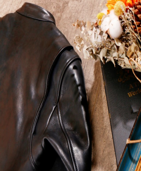 シープスキン 1960  カフェレーサー シングルライダース レザージャケット ブラック Sサイズ  オイルレザー ラム 羊革 黒芯 1枚革_画像9