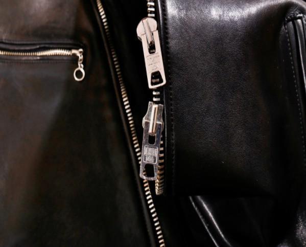 シープスキン 1960  カフェレーサー シングルライダース レザージャケット ブラック Sサイズ  オイルレザー ラム 羊革 黒芯 1枚革_画像6