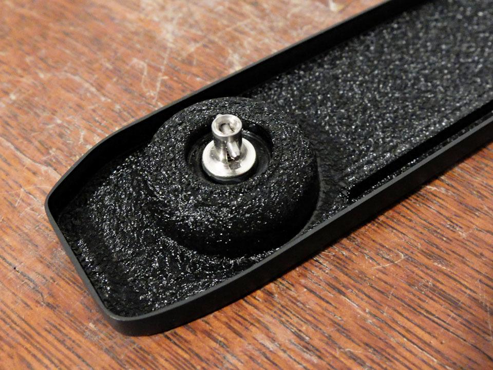 【中古/稀少】ライカ M5用ベースプレート (底蓋) ブラック〉:Leica Base Plate for M5 Black_画像3