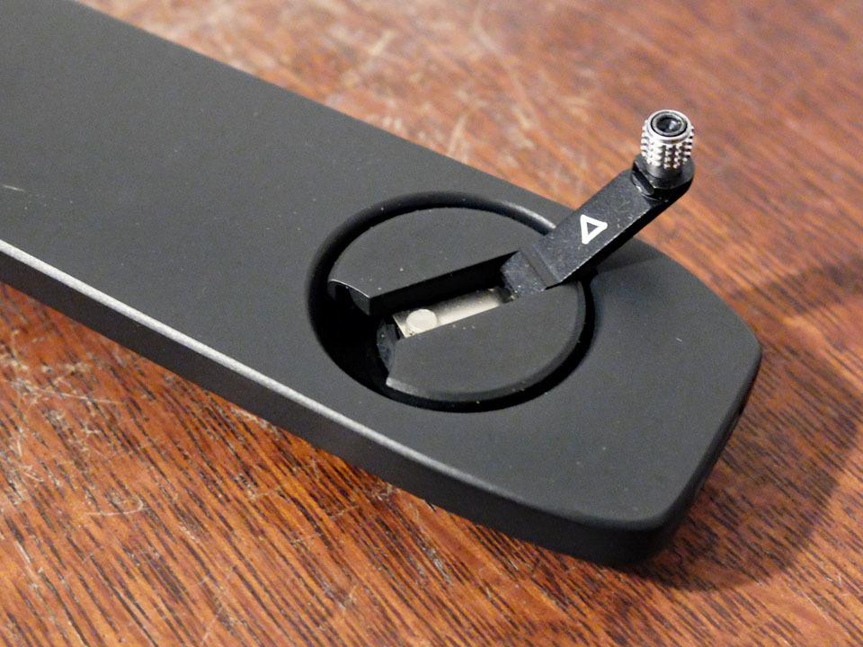 【中古/稀少】ライカ M5用ベースプレート (底蓋) ブラック〉:Leica Base Plate for M5 Black_画像5