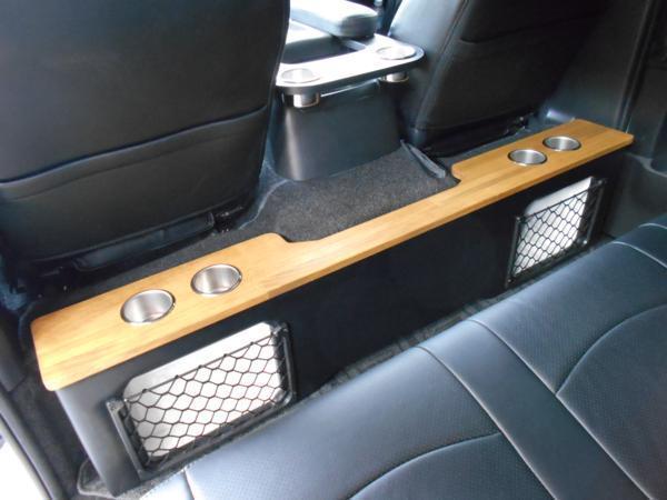 ハイエース セカンド テーブル 200系 セカンドボード 後席 2列目 シート カップホルダー トヨタ TOYOTA 標準 収納 BOX 木目 茶 パーツ_木目カラーで上品、どこにもない1点物