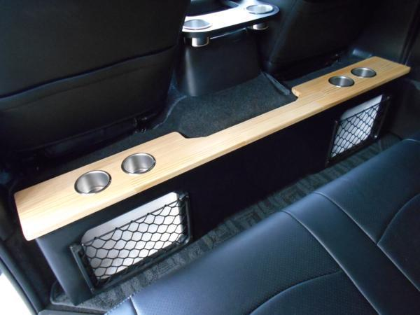 ハイエース セカンド テーブル 200系 セカンドボード 後席 2列目 シート カップホルダー トヨタ TOYOTA 標準 収納 BOX 木目 パーツ_木目カラーで上品、どこにもない1点物