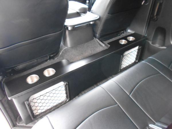 ハイエース セカンド テーブル 200系 セカンドボード 後席 2列目 シート カップホルダー トヨタ TOYOTA 標準ボディ 収納 BOX パーツ_車種専用設計なので純正のようなサイズ感