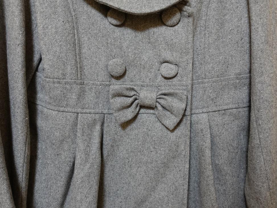 グレーのショート丈コート_画像3