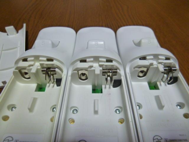 R069【送料無料】Wii リモコン 3個セット ホワイト (動作良好 クリーニング済)白  NINTENDO 任天堂 純正