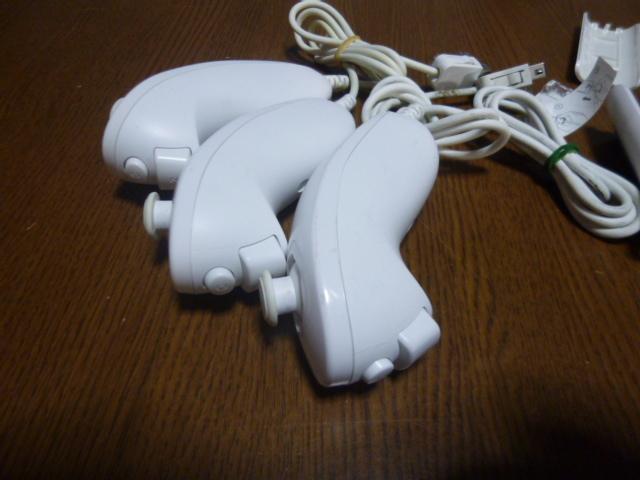RSJN051【送料無料 動作確認済】Wii リモコン ヌンチャク 3個セット ジャケット ストラップ(クリーニング済)リモコンカバー