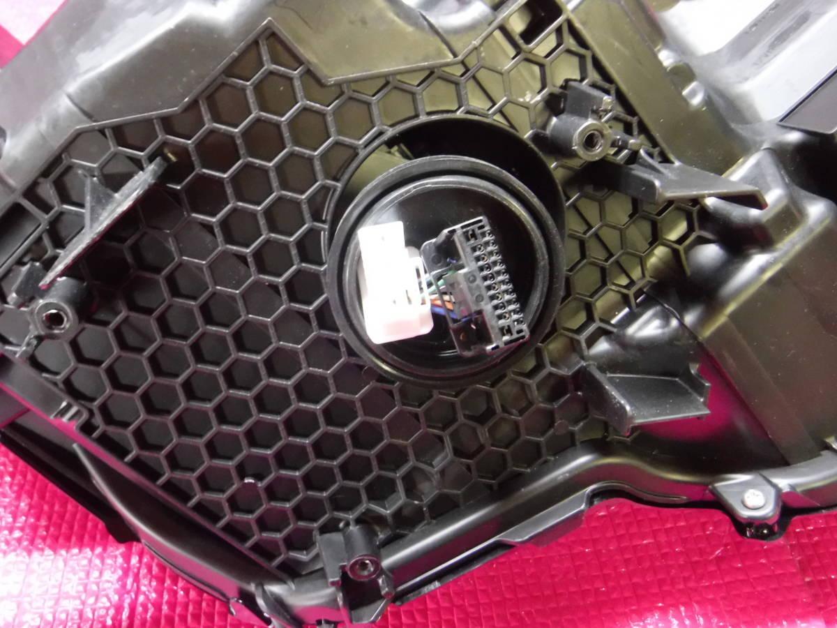 クラウン ハイブリッド AZSH20 LED ヘッドランプ ユニット 左 KOITO 30-452_画像9