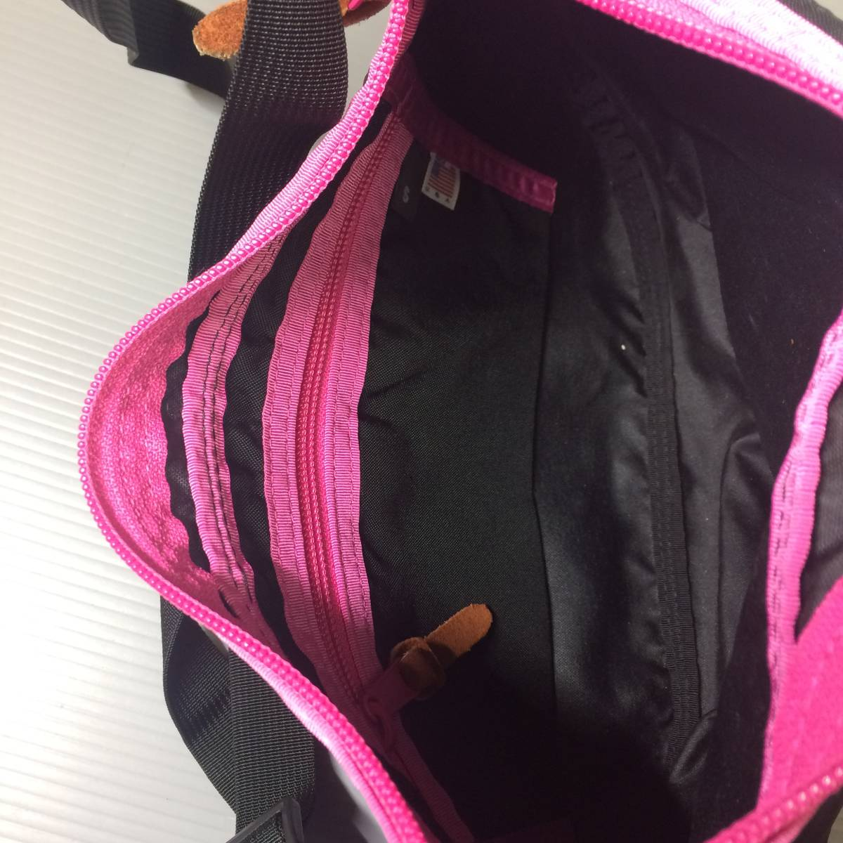 USA製 グレゴリー サッチェルバッグS GREGORY ブラック ピンク ショルダーバッグ サッチェルS