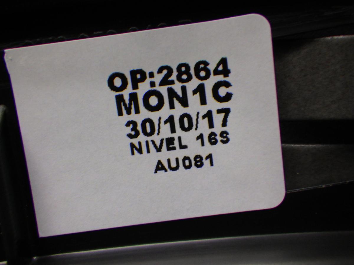 アウディ  Q3 8U 右リア ホイールカバー 未使用 180623157_画像4