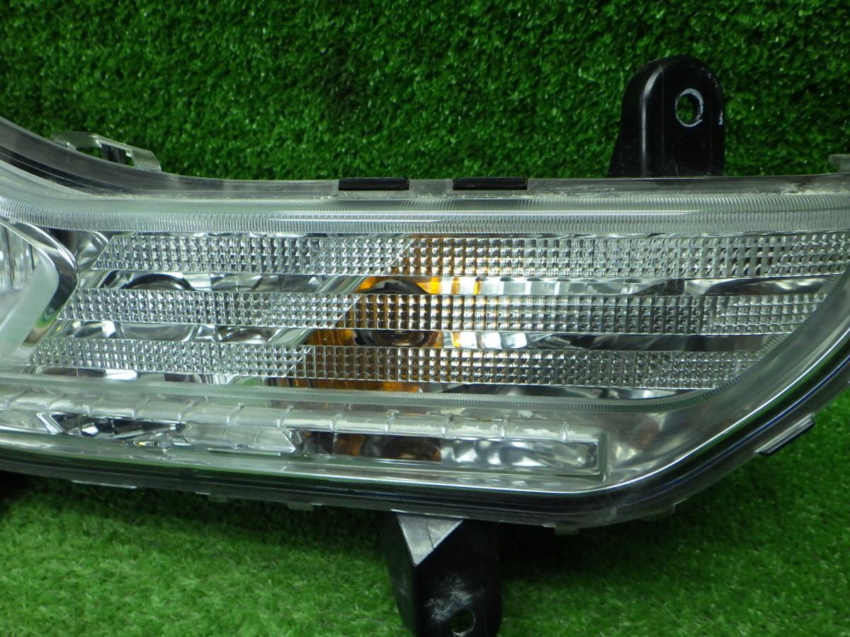 フォード クーガ  右フォグランプ JV190129017_画像3