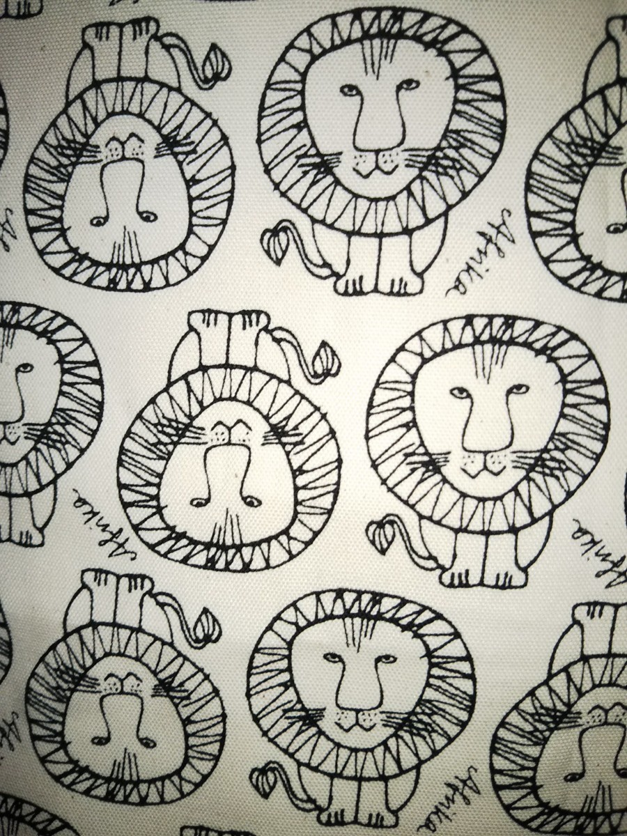 【リサラーソン】ライオン柄2色セット 各約50㎝×55㎝  生地 はぎれ