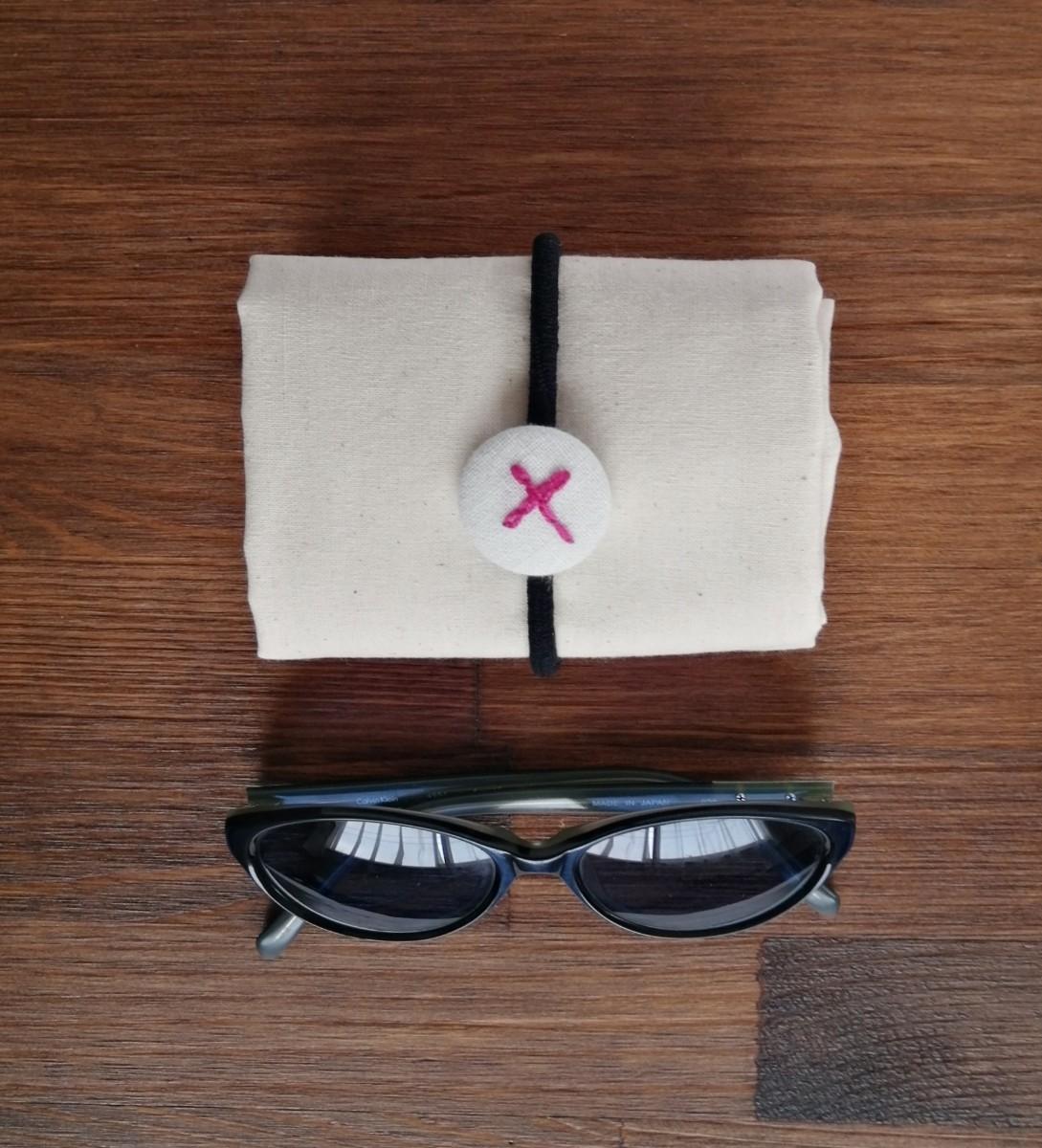 ハンドメイド ピンクのバス 手縫いの刺繍 トートバッグ フラット エコバッグ ショルダーバッグ レッスンバッグ 生成り コットン