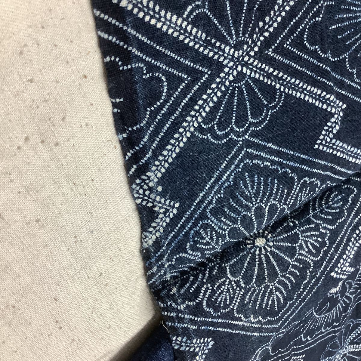 ◆古布前掛け専門屋◆アンティーク◆手織木綿◆本藍染◆型染め◆3幅3巾◆布団側◆刺子襤褸麻書生絣蚊絣雪ん子BOROはぎれ_画像6