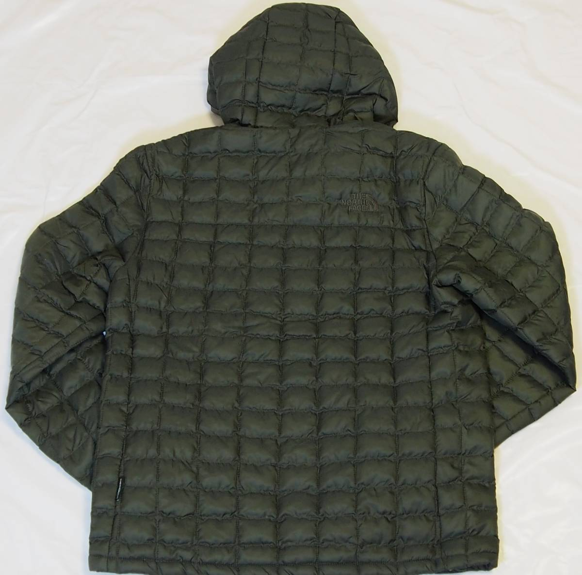 【USA購入、未使用タグ付】ノースフェイス メンズ Thermoball Eco ジャケット フード付 M グリーン The North Face NEW TAUPE GREEN Hoodie_画像3