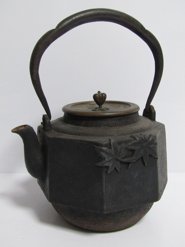 L05-9779[VOX] 祥雲堂 時代八角鉄瓶 紅葉盛上 唐銅蓋 煎茶道具 茶道具