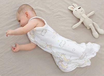 【新品 おまけ付き】Mサイズ 妊婦 赤ちゃん夜泣き対策に 奇跡のおくるみ キリン スワドルアップではありません ベビー 安眠 baby_画像3
