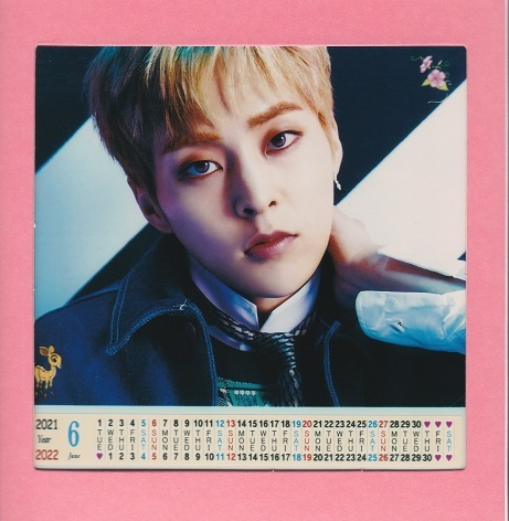 ☆New!■シウミンXiumin/EXOエクソ■2021-22年フォト卓上カレンダー☆韓国_画像3