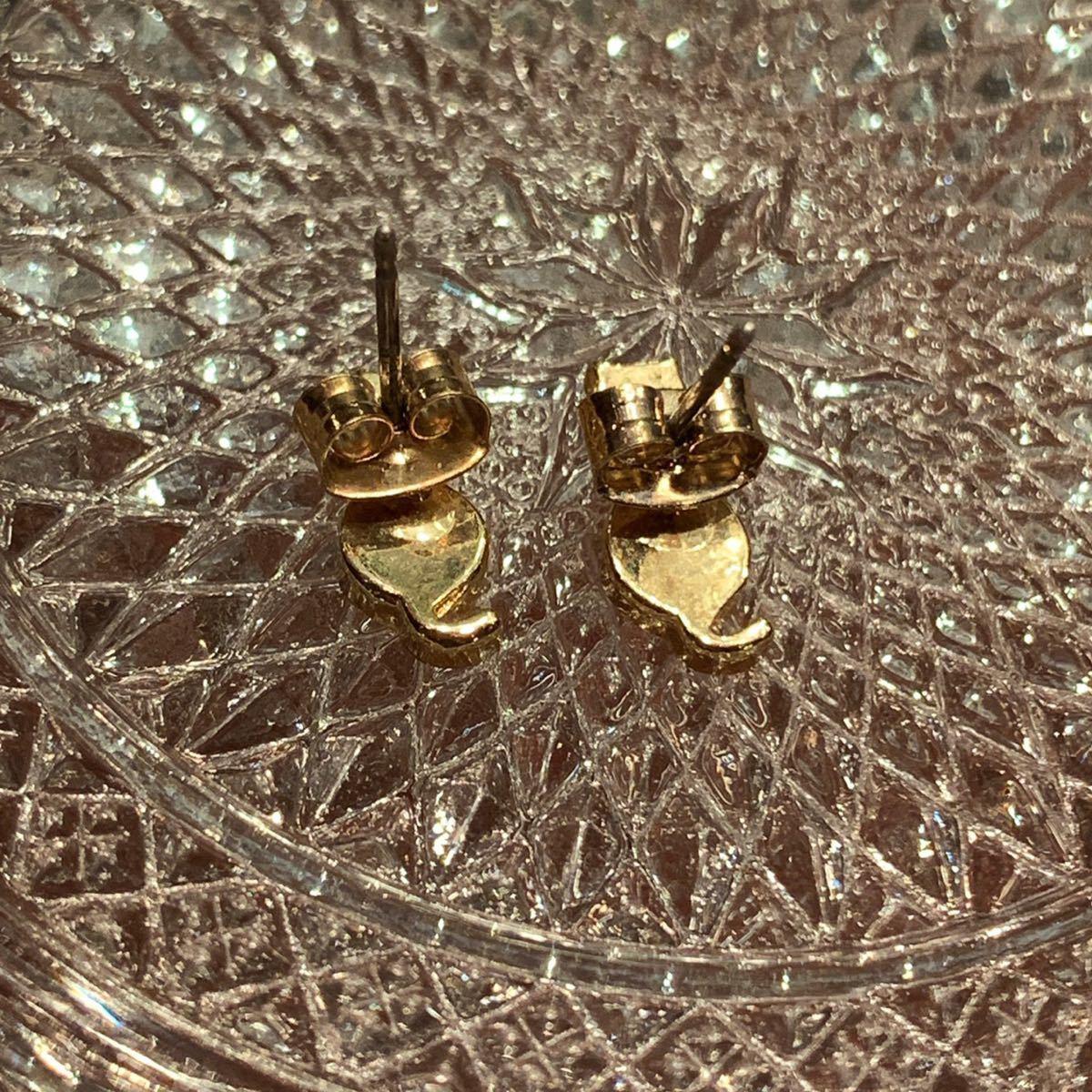 〈新品未使用〉ピアス 猫モチーフ ネコ ゴールドカラー 真鍮 ハンドメイド アクセサリー_画像4