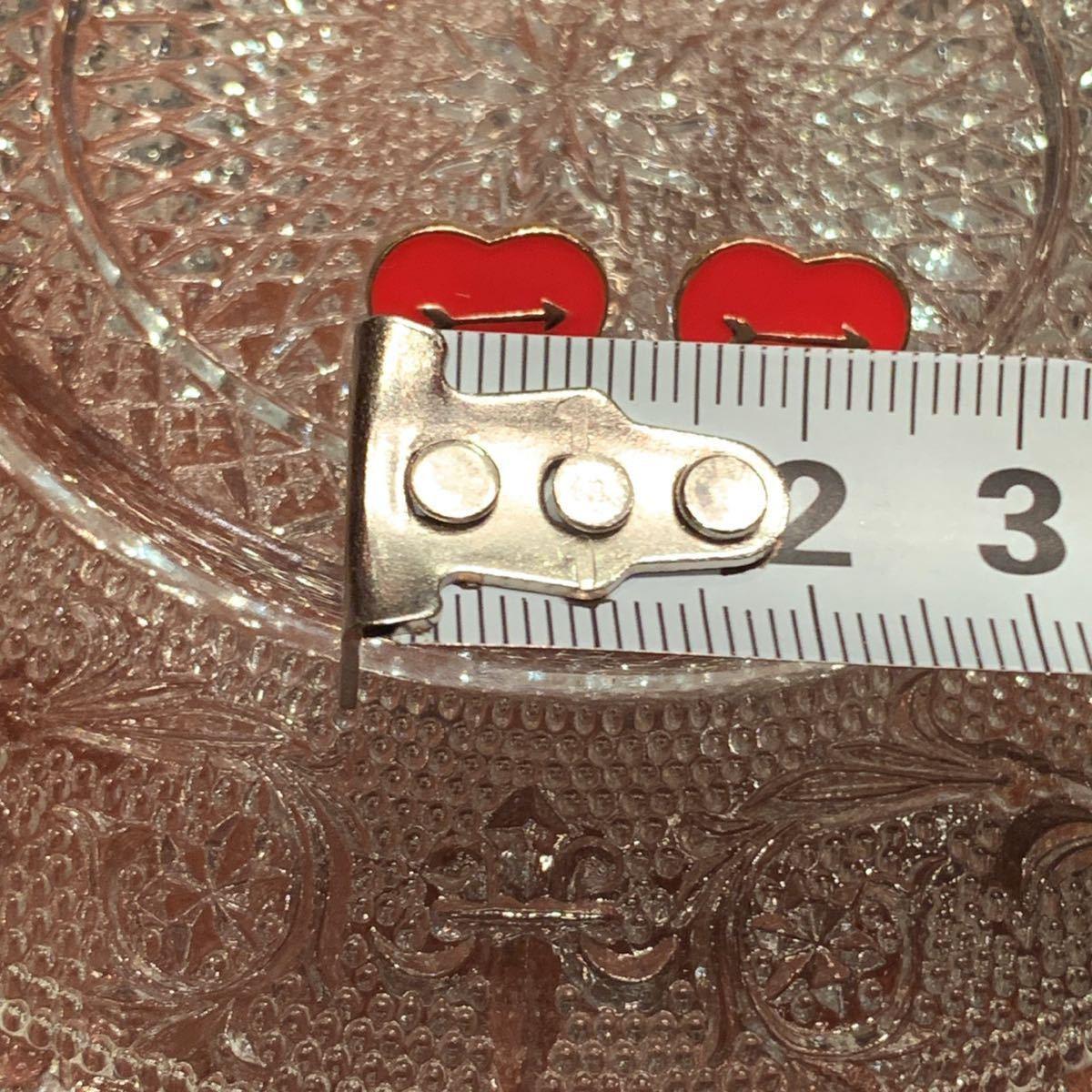 〈新品未使用〉ピアス 赤いハートモチーフ 弓矢 真鍮 ハンドメイド アクセサリー_画像4