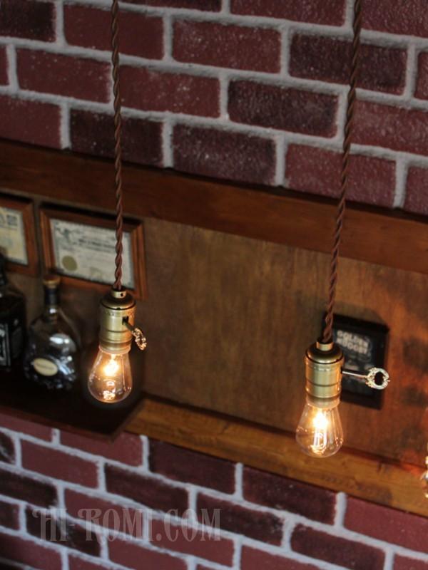 [金色アルミ][PSE適合/E26/LED対応]アメリカヴィンテージゴールドソケットペンダントライト◆引掛シーリング式レトロ照明カフェ店舗什器_(見本)複数並べて設置した様子