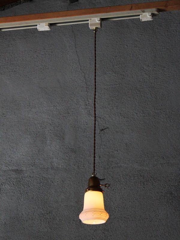 USAアメリカヴィンテージミルクガラスシェードペンダントライト|アンティークライト吊下げ照明乳白電笠草花柄・シェードホルダー&コード付_ヴィンテージミルクガラスペンダントライト