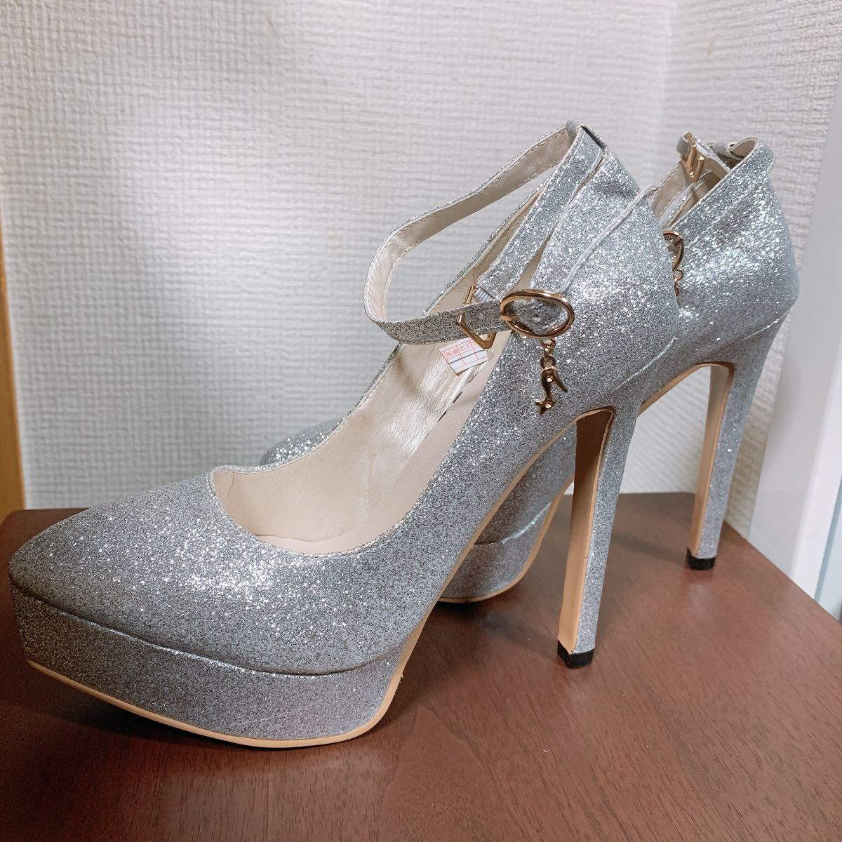 パンプス ストラップ付きパンプス シルバー 銀ハイ ハイヒール 厚底 美脚 履きやすい 22cm