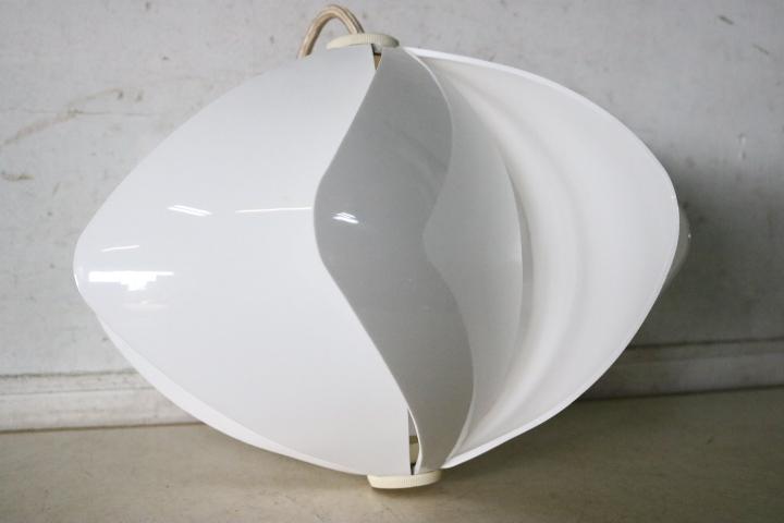 TB526レトロポップな吊り下げ照明 ホワイト 点灯確認済み◇ライト/スペースエイジ/ミッドセンチュリー/インテリア/古道具タグボート_画像9