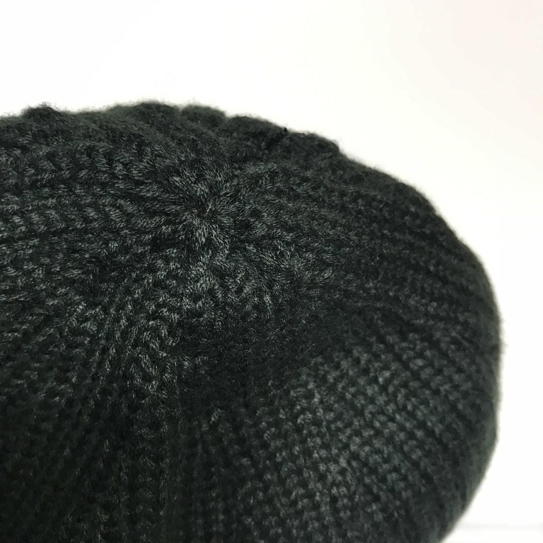 ニット帽 ニットキャップ ビーニー帽子 メンズ 中学生にも 黒小さめな頭の方向