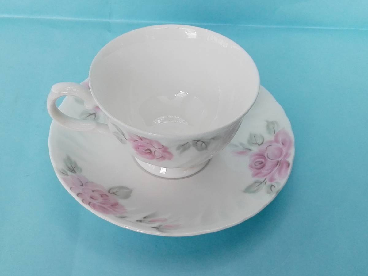 White Bome ホワイト ボーン【kcme】ピンク ローズ柄 カップ&ソーサ 4客セット 未使用 _画像8