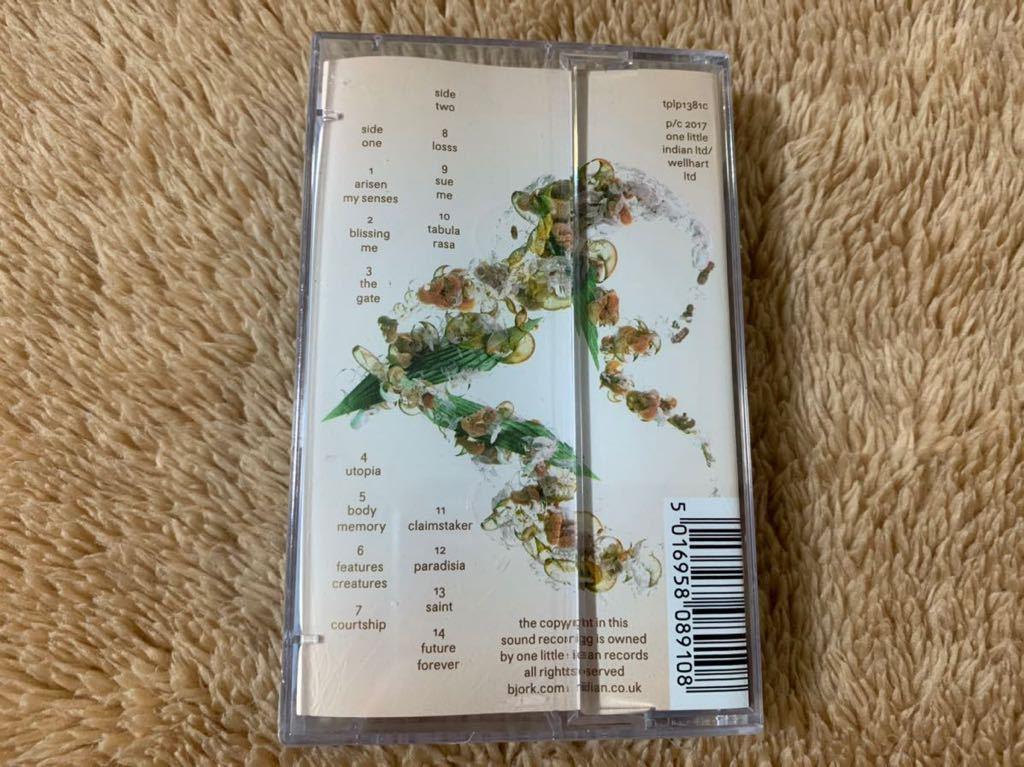新品未開封 ビョーク ユートピア '17年発売 BJORK Utopia 輸入盤 限定盤 カセットテープ 送料無料_画像2