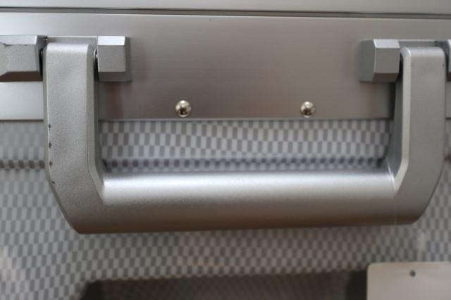 【訳あり】スーツケース 大型 軽量 フレーム 4輪 双輪 TSA 人気 グリップマスター スクエア カーボンホワイト/シルバー 白 Lサイズ S827_※ハンドルに細かなキズ汚れがあります