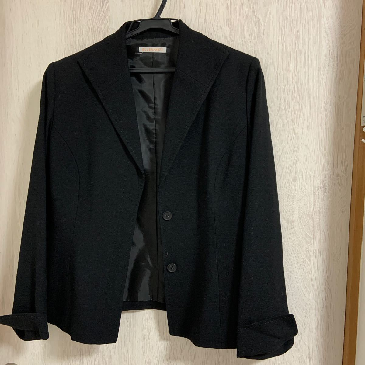 黒スーツ テーラードジャケット